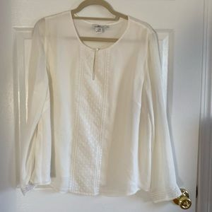 Vineyard Vines Cream Blouse with Polka Dot Accent